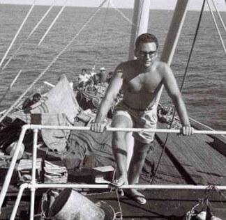 Jean-Marie Domard sur son bateau